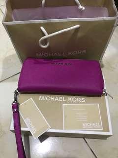 Michael kors authentic fuchsia wallet ori 100% with box
