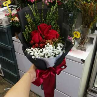 3 stalk red rose bouquet