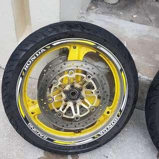 Cb400 rim ,tyre (front n back )+ spocket n spocket hub