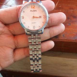 Jam tangan wanita