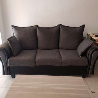 Moving out sell 3+2 seater Sofa