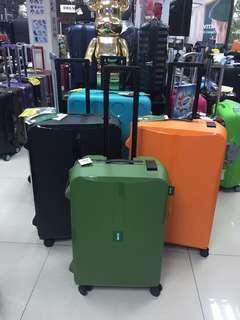 阿豪 日本品牌Lojel OCTA 2 系列 四個安全鎖 雙轆 行李箱