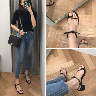 2018 new Korean version of the word with the thick with the sandals female summer open-toe with wild strap Roman shoes
