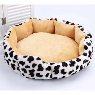 Puggo Quality Prints Round Dog Bed V4