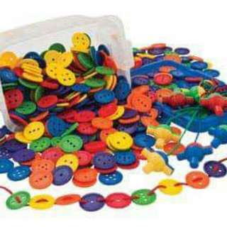 Giant plastic buttons for lacing