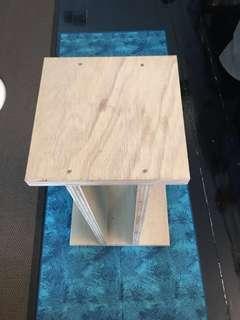 Handmade loudspeaker stand (1 pair)
