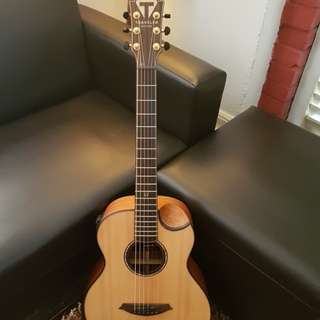 Travellers guitar,can compare to gs mini taylor