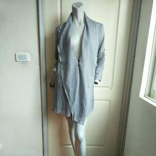 【onsale】灰白條紋造型款輕薄雪紡上衣罩衫