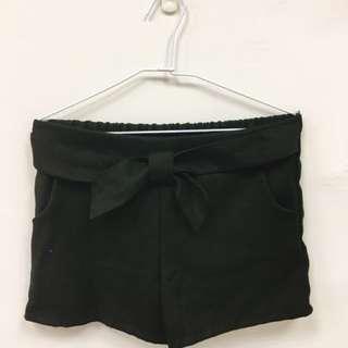 正韓顯瘦黑色蝴蝶結短褲