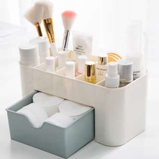 Make up organiser