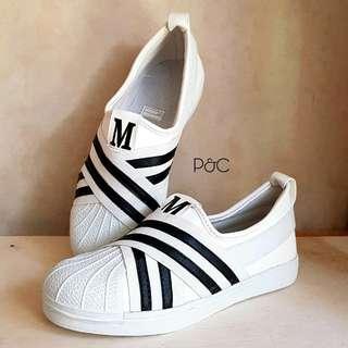 M sneaker