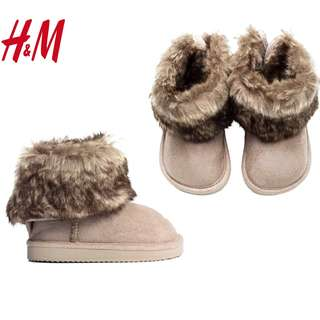 Authentic H&M Soft Fur Boots US 4-5 Light-Weight Soles Shoes
