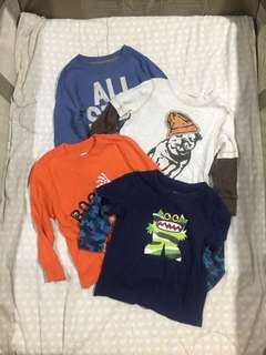 Old Navy Set of 4 sweaters