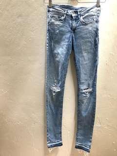 H&M light blue jeans NEW