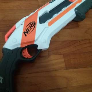 Nerf Gun Roughcut (Darts included)