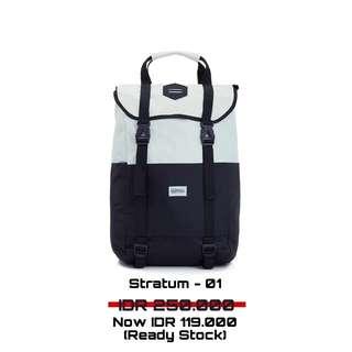 Stratum 01 backpack FREE RAIN COVER