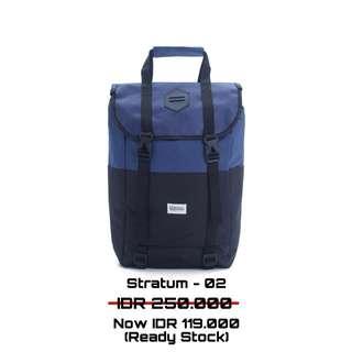 Stratum 02 backpack FREE RAIN COVER
