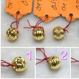916 gold ball pendent