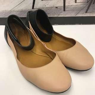 Chloe Leather Flat Shoes
