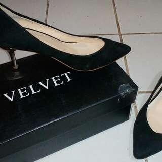 Sepatu Heels gold