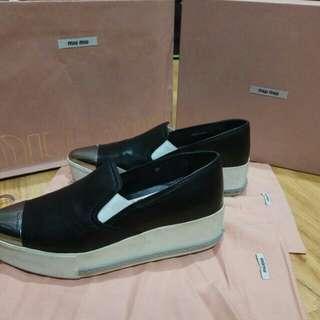 Turun harga: Miu Miu Double Sole Black Shoes Ori