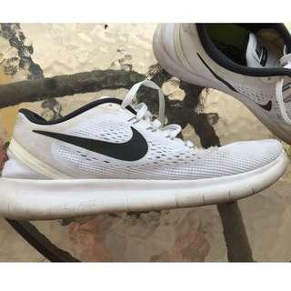 Nike RN White Black size 44