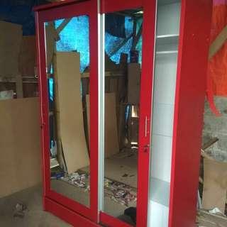 Lemari pintu 2 sleding merah