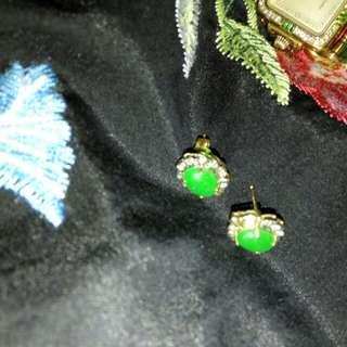 Pending*Vintage 14K Gold Jade Diamond earrings