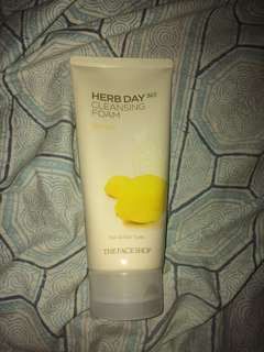 Herb day 365 cleansing foam (lemon)