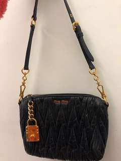 Miu miu bag navy(Fast trade$850)
