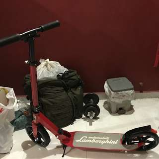 1x Automobili Lamborghini HT-2301 Kickscooter [RED] Folks $135 Negotiable !