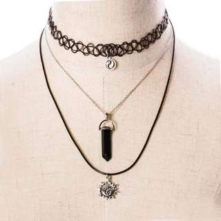 Set chocker necklace