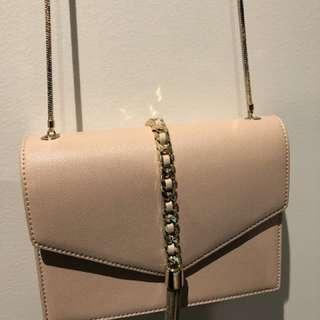 Tassel chain crossbody bag nude