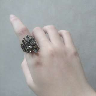 Patterned Statement Ring