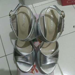 Sepatu High heels Gioretti