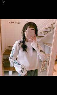 white embroidery flower long sleeves top