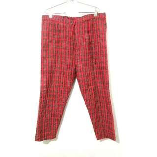 Celana Kain Garis² Merah