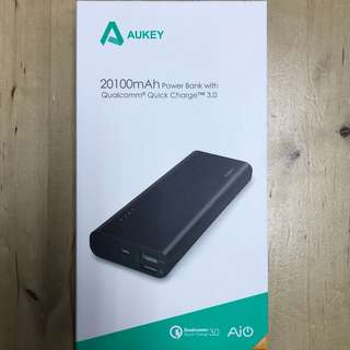 Aukey PB-AT20 20100mAh with Qualcomm Quick Charge 3.0