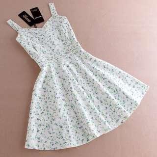🚚 韓國訂製小碎花收腰洋裝