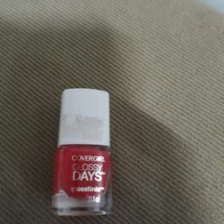 CoverGirl Glossy Days polish