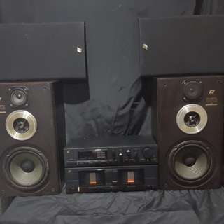 1987 Sansui Amplifier with speaker