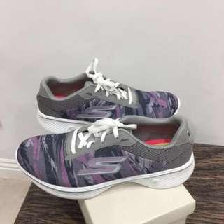 (全新)SKECHERS 斯凱奇 運動鞋GO WALK 4 第四代健走鞋 適合23cm/23號半 平底鞋 休閒鞋