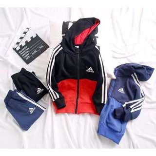 🚚 🚼《預》Adidas 愛迪達 純棉 小童大童 薄款休閒運動兩件式套裝