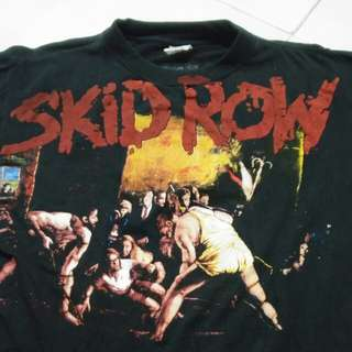 SKID ROW.   T-shirt...