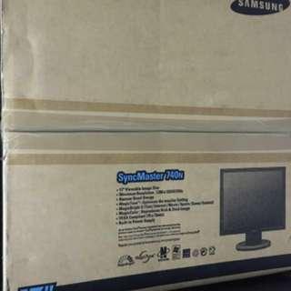 """Samsung 17"""" TFT-LCD Monitor"""