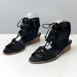 鏤空綁帶粗踭涼鞋