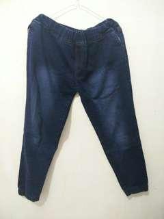 Celana levis / celana jeans / preloved / jogger / jumbo size
