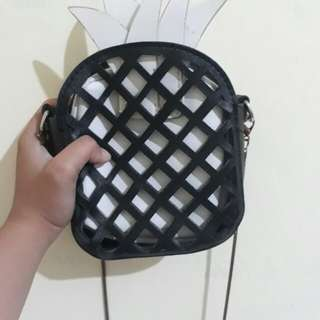Pineapple Sling Bag (Black and White)