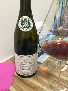 Louis Latour Corton Grand Cru 2006,fruity, dry, 性價比高得Bourgogne 特級田,好醇,要4 hours bottle decant to be drinking