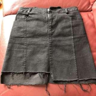 黑色型格牛仔短裙